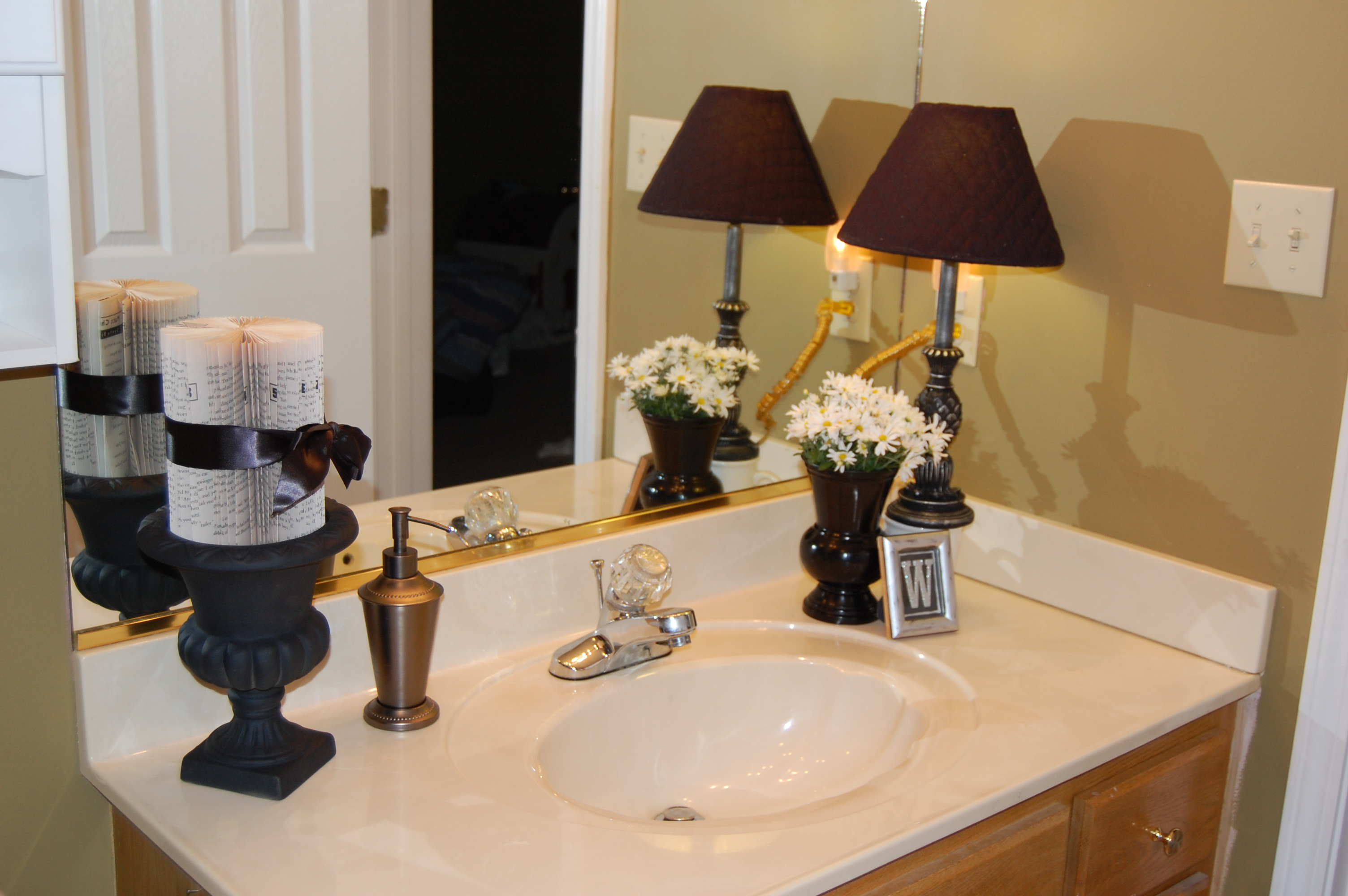 Freestyle bathroom makeover let 39 s get cooking for Bathroom countertop accessories